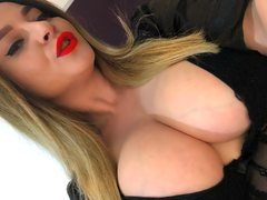 AmericanPie1 - blond female with  big tits webcam at ImLive
