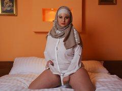 YasminnaHott - female with black hair and  big tits webcam at LiveJasmin