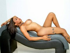 BARBIE_BROWN - shemale with black hair webcam at ImLive