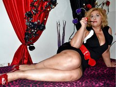 1EroticMature - blond female with  big tits webcam at LiveJasmin