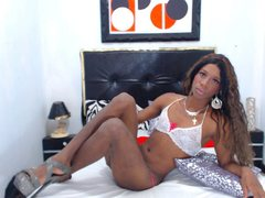 brunettemichell - shemale with brown hair webcam at ImLive