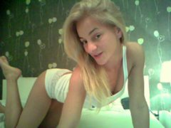 CandyCruise - blond female with  small tits webcam at ImLive