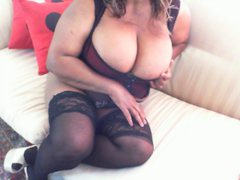 CocoSugar - female with black hair and  big tits webcam at ImLive