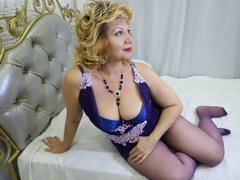 DianaVixen - blond female with  big tits webcam at ImLive