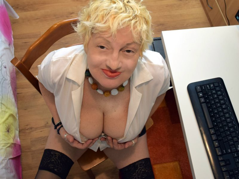 granny live webcam