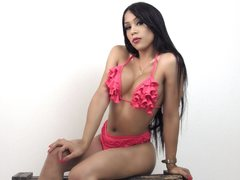 GREATKendalll - blond shemale with  small tits webcam at LiveJasmin