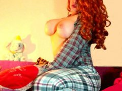 HoneyBabeChick - female with red hair and  big tits webcam at ImLive