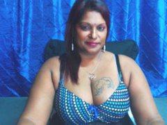 INDIANFLIRTZ - female with black hair webcam at ImLive