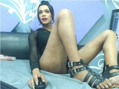 kendall_sexx - shemale with black hair webcam at ImLive