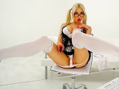 LouisaCream - blond female with  big tits webcam at xLoveCam