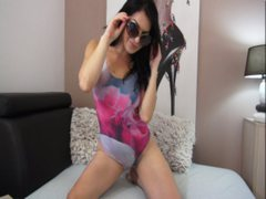 LovelyBellaa - female with brown hair and  small tits webcam at ImLive
