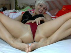 LUCKYXXXSINGLE - blond female with  small tits webcam at ImLive