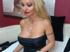 cynthyax - blond female with  big tits webcam at LiveJasmin