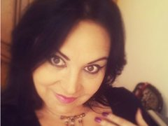 MagicalSmileLoves - female with black hair webcam at ImLive
