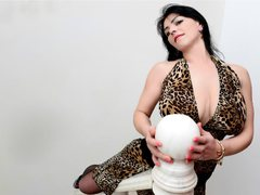 MILFDeliciuous - female with black hair and  big tits webcam at ImLive