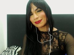 MikaelaFoxxTs - shemale with black hair webcam at xLoveCam