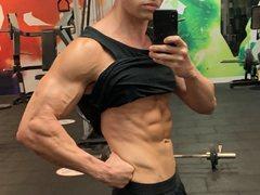 MuscleHunkBrad - male webcam at ImLive