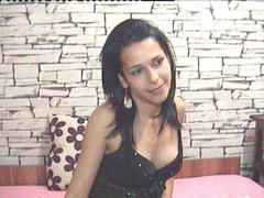 PlayfulShow - female with brown hair webcam at ImLive