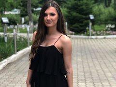 KaraKnowles - female with brown hair webcam at LiveJasmin