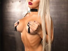 SexyyBOOBSss - blond female with  big tits webcam at ImLive
