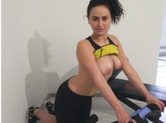 sexiamyy - female with black hair webcam at ImLive