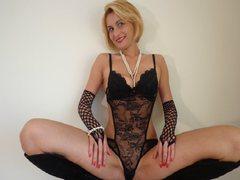 desirespourtoi - blond female with  big tits webcam at LiveJasmin