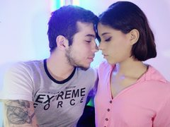 SweetPrincez18 - couple webcam at ImLive