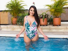 SweetyMeli - female with brown hair and  big tits webcam at ImLive