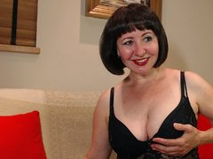 neighbourSophia - female with brown hair webcam at LiveJasmin