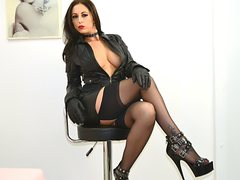 GabrielleLove - female with brown hair webcam at LiveJasmin