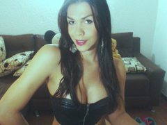 xlindahot4ux - shemale with black hair and  big tits webcam at ImLive