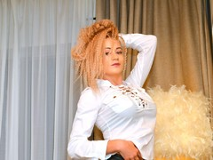 00A1Just4Vicky - female with black hair webcam at LiveJasmin