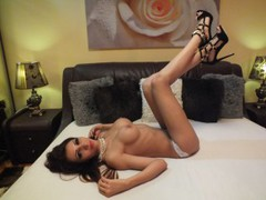 01PerfectSlutt - female with brown hair and  big tits webcam at LiveJasmin