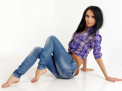1Elena1 - female with black hair and  big tits webcam at LiveJasmin