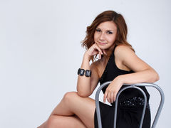 1to1HornyCandy - female with brown hair webcam at LiveJasmin