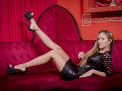 aarina12 - female with brown hair and  big tits webcam at LiveJasmin