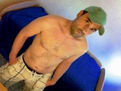 aaronn72 - male webcam at ImLive