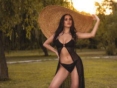 AdaQuinn - female with black hair webcam at LiveJasmin