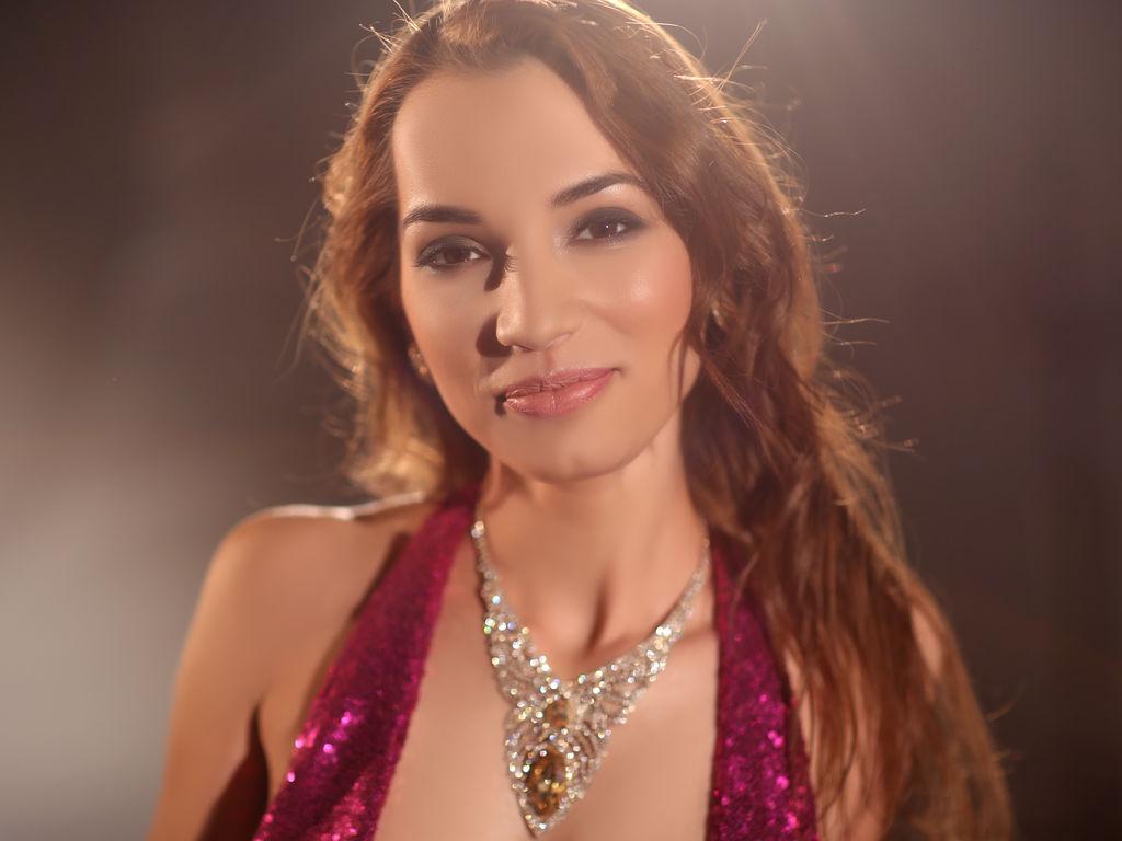 Sexy web cam brunette