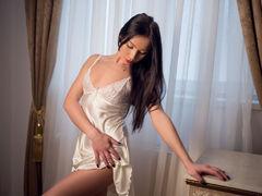 AishaJackson - female with brown hair webcam at LiveJasmin