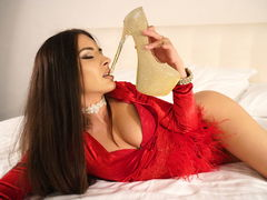 AlessiaBailey - female with black hair webcam at LiveJasmin