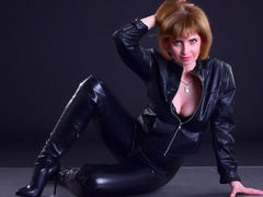 AmeliaPeachX - female with brown hair and  small tits webcam at LiveJasmin