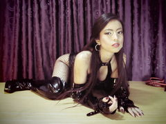 AmyJennings - female with black hair webcam at LiveJasmin