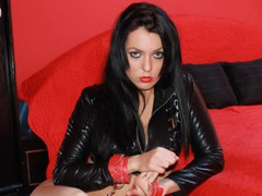 BadBadCris - female with black hair webcam at LiveJasmin