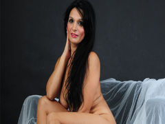 BeautyoftheWeb - female with black hair and  big tits webcam at LiveJasmin