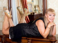 BustyIrene - blond female with  big tits webcam at ImLive