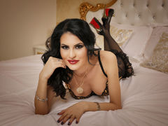 Caprice8inTs - shemale with black hair webcam at ImLive