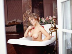 CharmingLiz - blond female with  big tits webcam at LiveJasmin