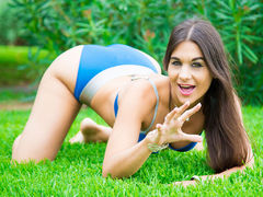 ClaraFRENCH - female with brown hair webcam at LiveJasmin