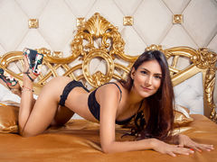 CrystalGil - female with brown hair and  small tits webcam at LiveJasmin